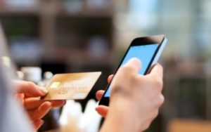 Как перевести деньги с телефона на карту Сбербанка?